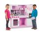מטבח עץ מפואר מבית מליסה אנד דאג   המטבח מכיל את כל מה שצריך בשביל משחק מהנה   בצבע ורוד   משלוח חינם!