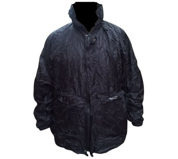 מעיל גשם עם כובע ספורטיבי אטום למים מבית Camptown עשוי בד פוליאסטר וניתן לקיפול מהיר לגודל קומפקטי, , large image number null