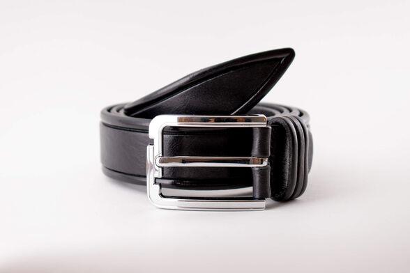 חגורת עור איכותית תוצרת איטליה בצבע שחור  בדוגמאת הטבעת מסגרת, , large image number null
