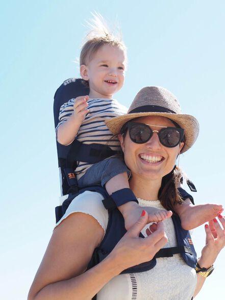 """מנשא כתפיים, מגיל חצי שנה ועד גיל 5 (עד 20 ק""""ג)   חלוקת משקל נוחה לתינוק ולילד   מתקפל ונכנס לכל תיק, , large image number null"""