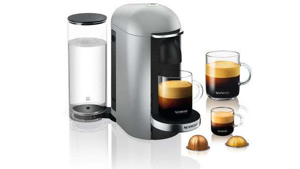 מכונת קפה VertuoPlus מבית NESPRESSO בגוון כסוף | ערכת קיץ מתנה הכוללת 5 שרוולי קפה וורטו, מגבת חוף ובקבוק מים של נספרסו ברכישת מכונת קפה NESPRESSO מסדרת VERTUO , , large image number null