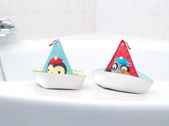 זוג סירות מפרש עם לולאות חוט בקצה למשחקי אמבטיה, , large image number null